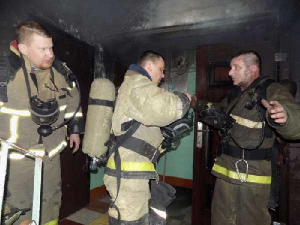 Пожарные спасли двух женщин