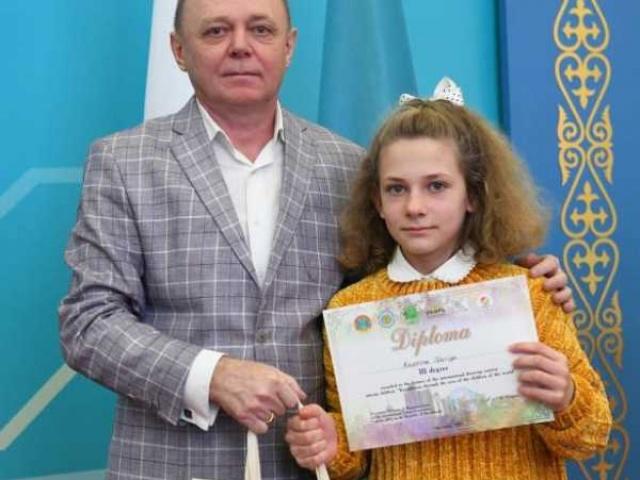 Имена юных художников из Лакинска прогремели в Казахстане