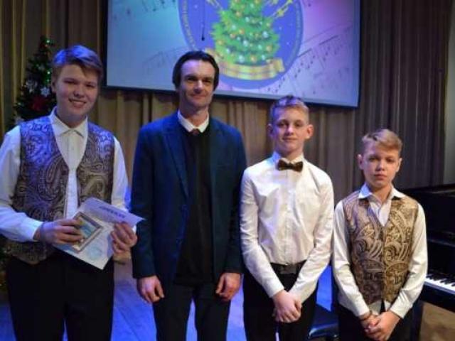 Воспитанники Ставровской ДМШ стали дипломантами конкурса «Рождественские фанфары»